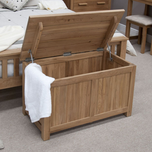 Inspire Oak Blanket Box