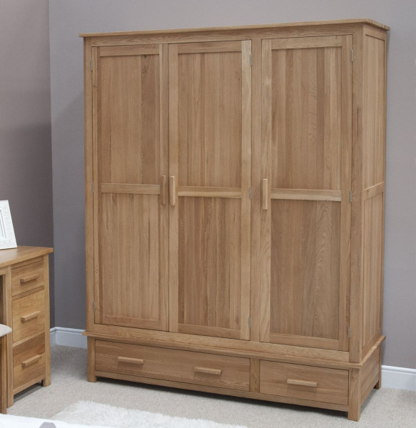 Inspire Oak 3 Door 2 Drawer Wardrobe