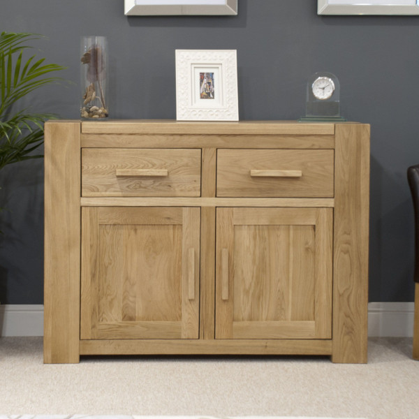 Chunky Oak Medium Sideboard
